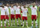 Il saluto militare dei calciatori turchi durante Francia-Turchia