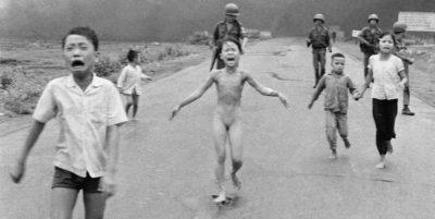La storia di Kim Phúc e della foto più famosa della guerra in Vietnam