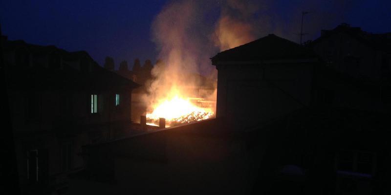 C'è stato un incendio sul tetto della Cavallerizza Reale, a Torino