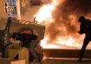 La notte di scontri e violenze a Barcellona