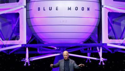 I piani lunari di Jeff Bezos si stanno complicando
