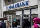 Gli Stati Uniti hanno incriminato la seconda banca statale turca Halkbank per aver aiutato l'Iran a violare le sanzioni economiche
