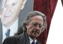 Le critiche al premio Nobel a Peter Handke