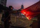 I violenti scontri durante le proteste di Hong Kong