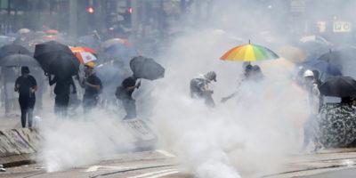 Ancora violente proteste a Hong Kong