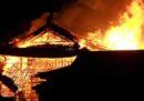 Un incendio ha completamente distrutto il castello di Shuri, in Giappone