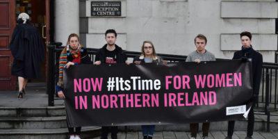 Secondo la Corte Suprema di Belfast, la legge sull'aborto dell'Irlanda del Nord viola il rispetto dei diritti umani del Regno Unito