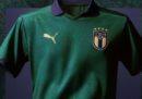La nuova maglia della Nazionale di calcio: verde