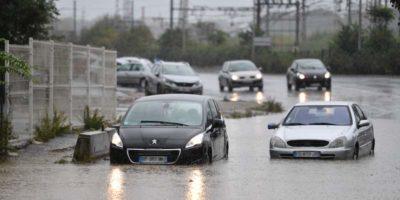 Tre persone sono morte a causa del maltempo nel sud della Francia