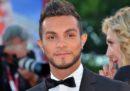 Il cantante Marco Carta è stato assolto dall'accusa di furto di alcune magliette alla Rinascente di Milano