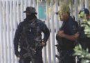 Almeno 13 poliziotti sono stati uccisi in Messico in un attacco armato