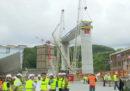 A Genova c'è stata una cerimonia per la posa del primo tratto del nuovo ponte sul Polcevera