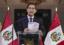 In Perù il presidente ha sciolto il Parlamento, che ha sospeso il presidente