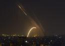 Nella notte due razzi provenienti dalla Striscia di Gaza hanno raggiunto la città israeliana di Be'er Sheva; l'esercito israeliano ha risposto colpendo alcune basi di Hamas