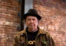 Neil Young ha chiesto la cittadinanza statunitense per poter votare alle elezioni del 2020