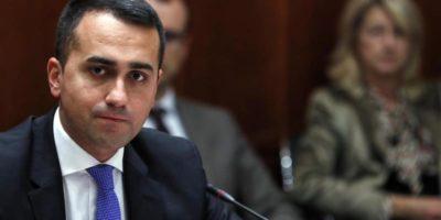 Il M5S chiederà ai suoi iscritti se presentarsi alle elezioni in Emilia-Romagna e Calabria
