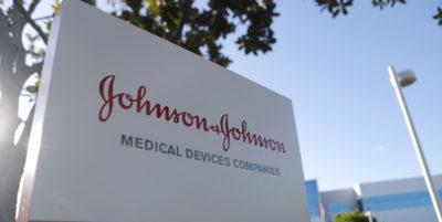 Più di mille donne australiane hanno vinto una class action contro Johnson&Johnson, a causa dei danni procurati da un prodotto per curare le complicanze del parto