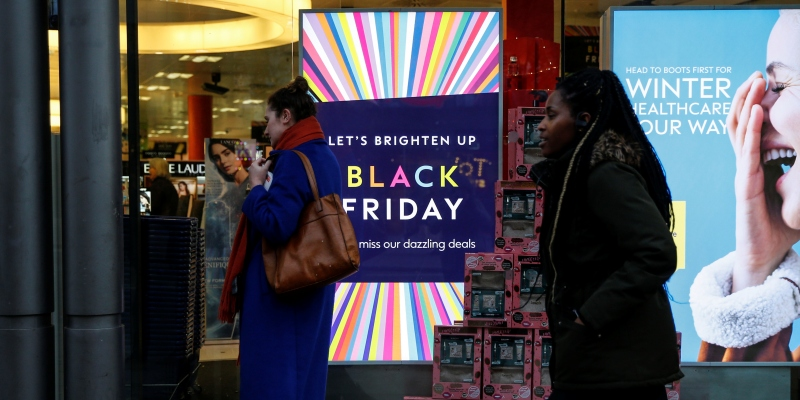 Black Friday: domani inizia la settimana degli sconti