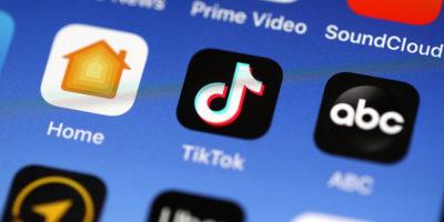 TikTok si è scusato con un'utente per aver rimosso un video che criticava il governo cinese per la repressione delle minoranze musulmane del paese