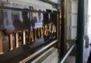 La multinazionale francese del lusso LVMH ha raggiunto un accordo da 15,15 miliardi di euro per comprare la nota azienda di gioielli Tiffany