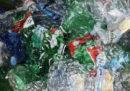 Tassare la plastica serve?
