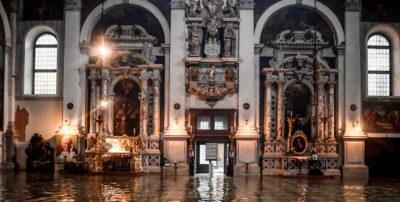 A Venezia c'è stato un nuovo picco di acqua alta
