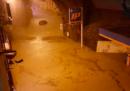 A Genova ci sono stati allagamenti a causa delle forti piogge e 19 persone hanno dovuto lasciare le loro case