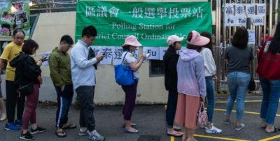 Hong Kong: affluenza da record al 71,2%, verso il trionfo dei democratici