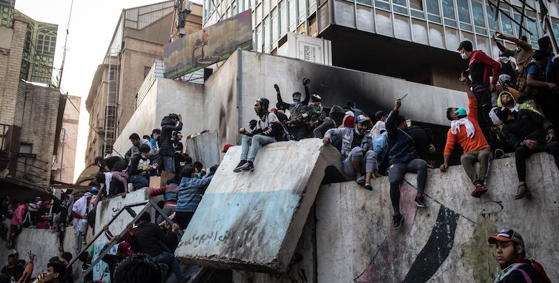 Una manifestazione a Baghdad il 24 novembre