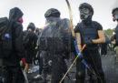 A Hong Kong ci sono nuove violente proteste nel distretto finanziario e nelle università