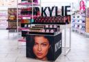 Kylie Jenner venderà il 51 per cento della sua società di cosmetici a Coty, la grande azienda che possiede i marchi Max Factor e Rimmel