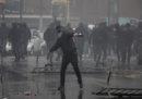 La Digos di Roma sta arrestando 13 ultras della Lazio per gli scontri avvenuti a Roma lo scorso maggio prima della finale di Coppa Italia