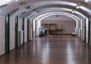 Undici agenti della polizia penitenziaria sono stati rinviati a giudizio con l'accusa di aver intimidito e pestato un detenuto del carcere di San Vittore tra il 2016 e il 2017