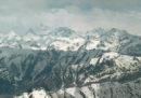 Sei persone, quattro militari e due civili, sono morte in seguito a una valanga sul ghiacciaio Siachen, nel Kashmir