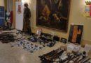 Due uomini sono stati arrestati in un'indagine della polizia di Firenze e Siena su un gruppo di estremisti di destra