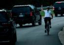 La ciclista che mostrò il dito medio a Trump ha vinto un'elezione locale in Virginia