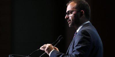 L'ex ministro dell'Istruzione Lorenzo Fioramonti ha annunciato di aver lasciato il Movimento 5 Stelle