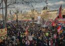 Più di 600mila persone hanno manifestato in diverse città francesi contro la riforma delle pensioni