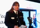 La donna a capo dei vigili del fuoco di Londra si è dimessa per le critiche sulla gestione dell'incendio della Grenfell Tower