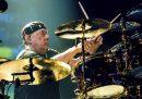 È morto Neil Peart, uno dei più apprezzati batteristi rock della storia: aveva 67 anni