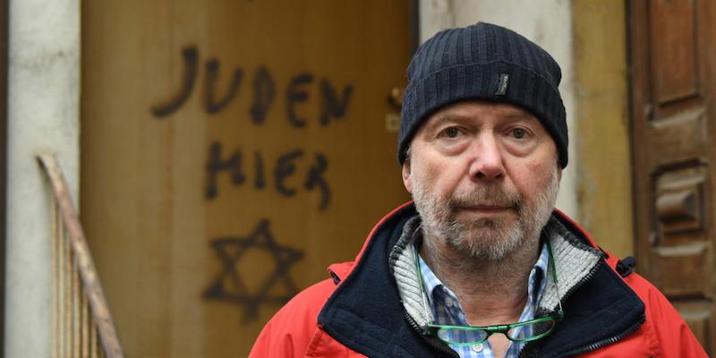 La scritta antisemita a Mondovì
