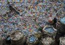 La Cina vieterà gran parte della plastica monouso entro il 2025
