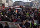 Il primo ministro francese si è detto disponibile a modificare parte della contestata riforma delle pensioni