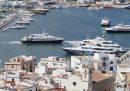 Le Baleari hanno approvato una legge per ridurre il consumo di alcol in alcune zone turistiche di Ibiza e Palma di Maiorca
