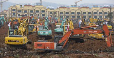 Le foto del cantiere per costruire un ospedale in 10 giorni a Wuhan