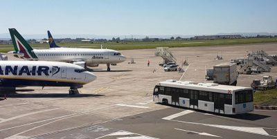 """Come funzionano le """"tariffe sociali"""" dei biglietti aerei per la Sicilia"""