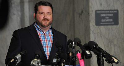 Il capo del Partito Democratico dell'Iowa si è dimesso dopo il pasticcio dei caucus