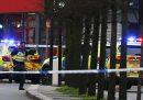 Un uomo è stato ucciso dalla polizia a Streatham, Londra, per aver accoltellato alcune persone: la polizia dice che si tratta di terrorismo