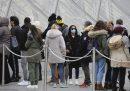 Oggi il Louvre di Parigi non ha aperto per via delle preoccupazioni legate al coronavirus