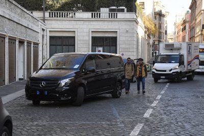 La Corte Costituzionale ha stabilito che è illegittimo l'obbligo per gli autonoleggi con autista di rientrare in sede dopo ogni corsa